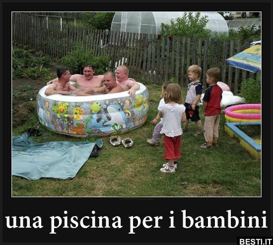 Una piscina per i bambini immagini divertenti - Piscina per bimbi ...
